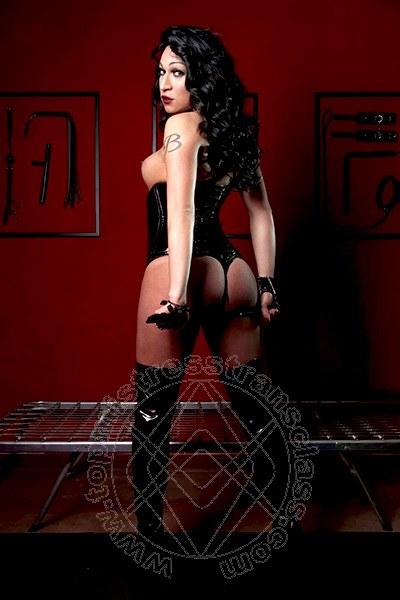 Lady Barbara Kardashian  CADE' 3408317576
